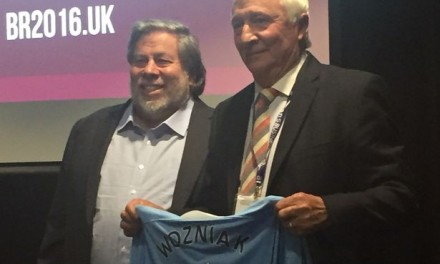 Apple co-founder Steve Wozniak comes to Manchester and leaves a City fan!